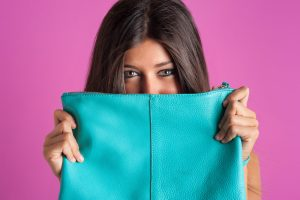 10 things girls must carry in bag