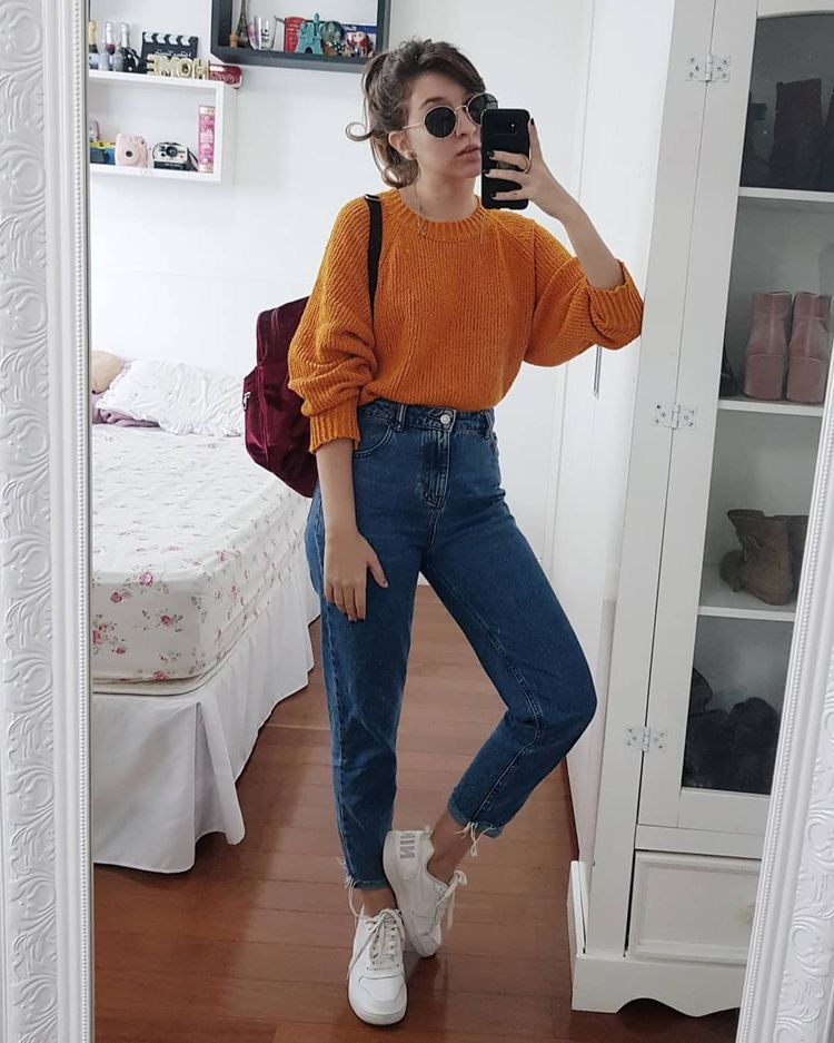 How To Wear Oversized T-Shirts